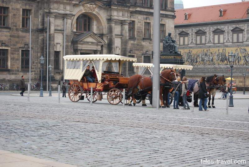 По Дрездену на коне